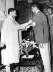 Abebe Bikila honored by Emperor Haile Selassie