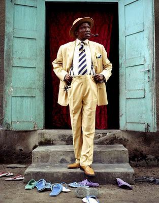 La SAPE: Societe des Ambianceurs et Personnes Elegantes | African ... Unique Person In A Crowd