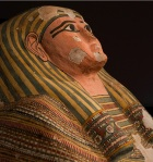 Stylized face of Shesepamuntayesher depicted on her coffin (Source: National Geographic)