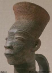 Sculpture d'une Mangbetu, au Congo (cette sculpture est exposée au MET)