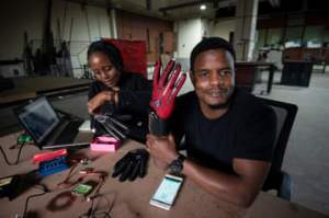 kenya_sign-io inventor roy allela
