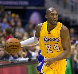Kobe Bryant handling ball in 2014