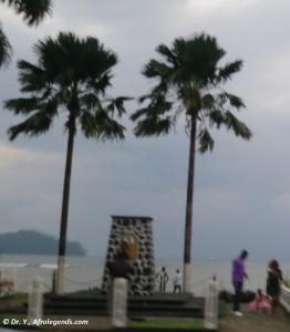 Cameroon_Limbe_Saker Monument