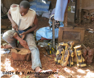 African wood carver_2